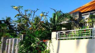 Saba House - 3BR - close to Keramas Surfing Beach