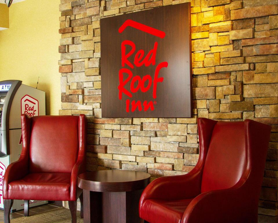 Lobi Red Roof Inn Princeton - Ewing