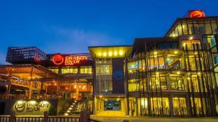 Dragon River Avenue Hotel
