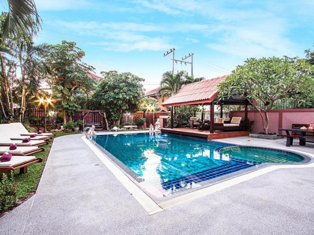 Swimming pool Baan Chatmanee - Beautiful 5 Bed Villa in Jomtien