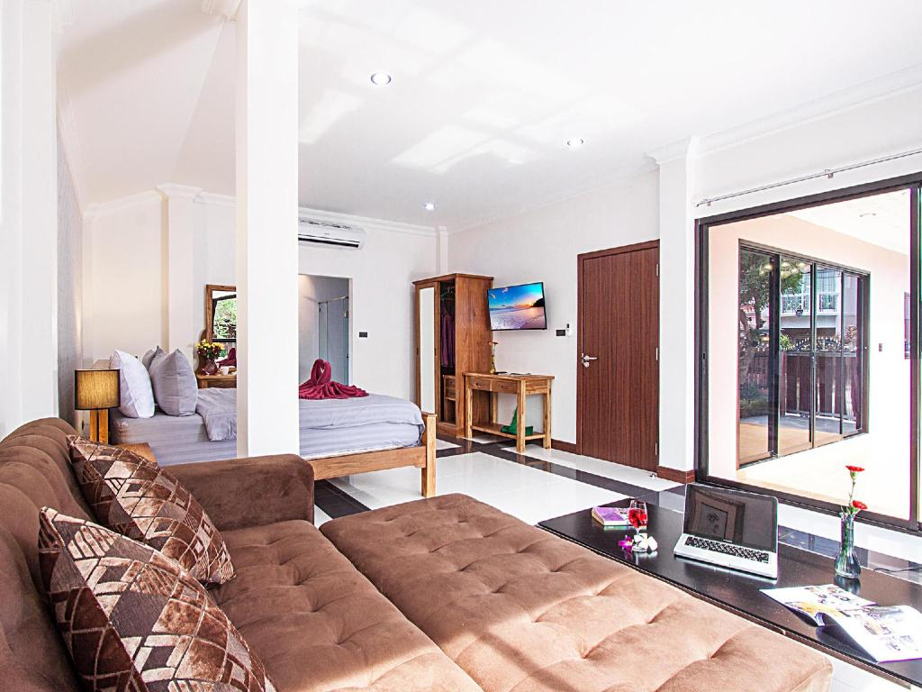 Interior view Baan Chatmanee - Beautiful 5 Bed Villa in Jomtien