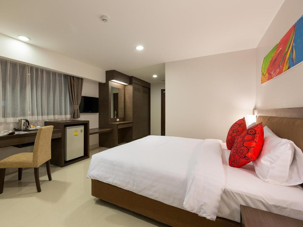 Superior King Bed Riche Hua Hin Hotel