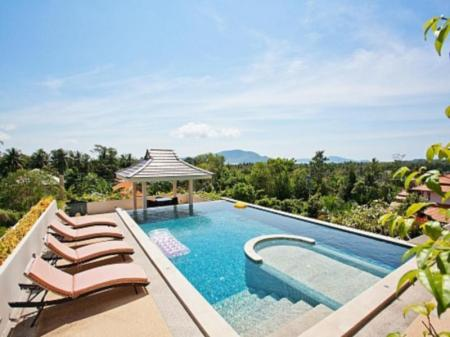 Pool Ocean Breeze Villa