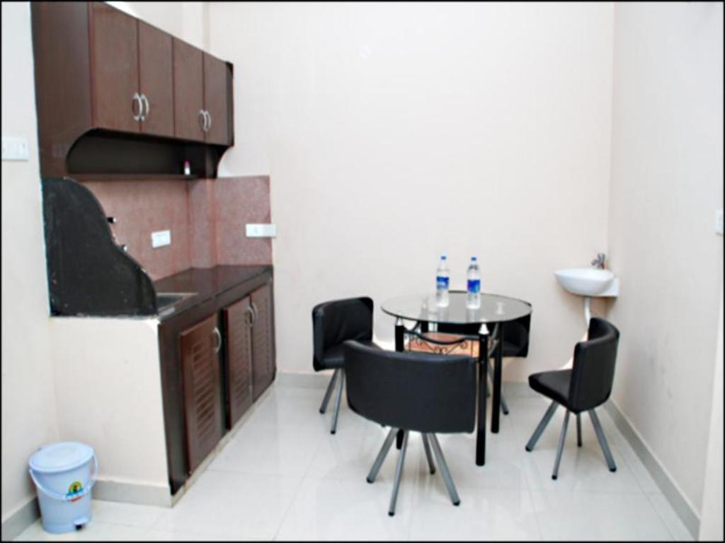 Храна и напитки Rich Residency Serviced Apartments