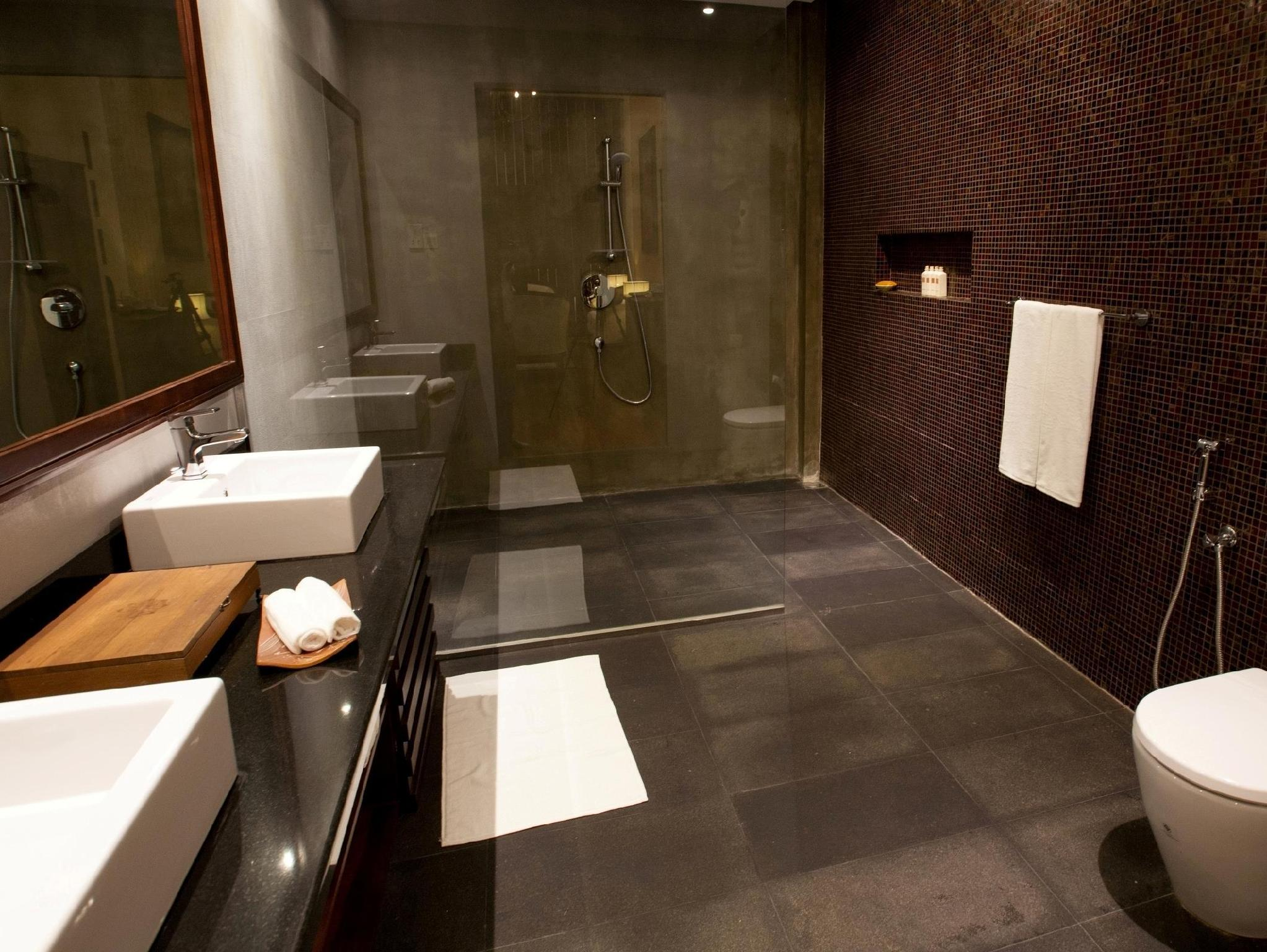 Bathroom Residence By Uga Escapes