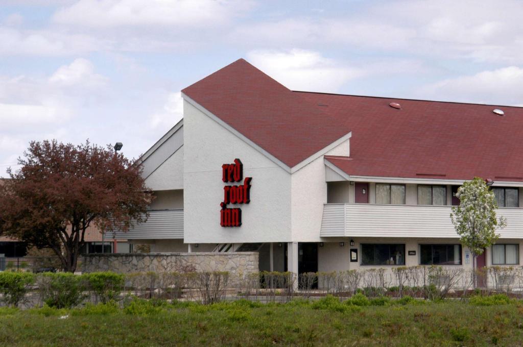 red roof inn lansing east michigan state u in lansing. Black Bedroom Furniture Sets. Home Design Ideas