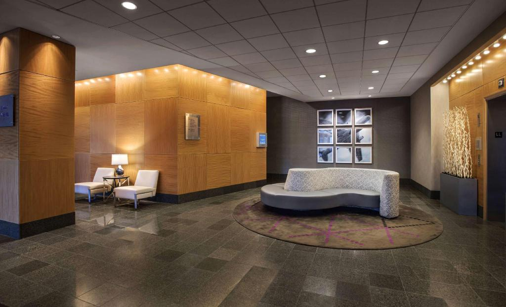 Lobby Hyatt Regency Pittsburgh Intl Airport (Hyatt Regency Pittsburgh International Airport)