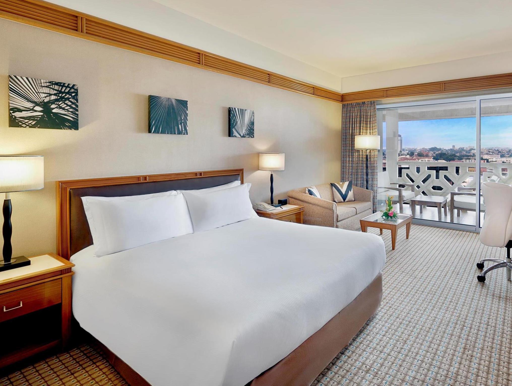 Chambre De Luxe Lit King Size Hilton   Chambre