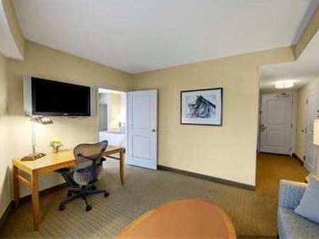 hilton garden inn portsmouth downtown hotel portsmouth. Black Bedroom Furniture Sets. Home Design Ideas