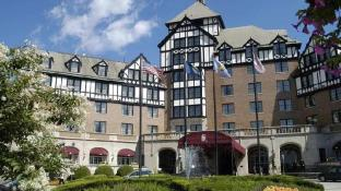 The Hotel Roanoke & Conference Center, Curio Collection by Hilton