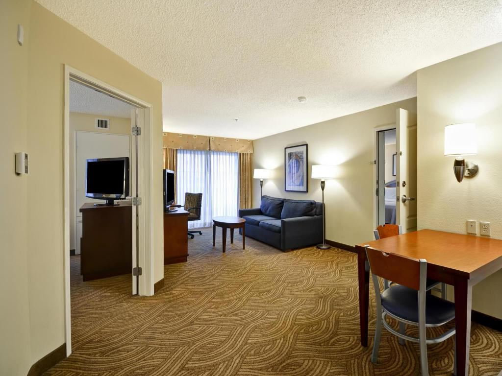 Interior view Homewood Suites By Hilton Oakland Waterfront Hotel
