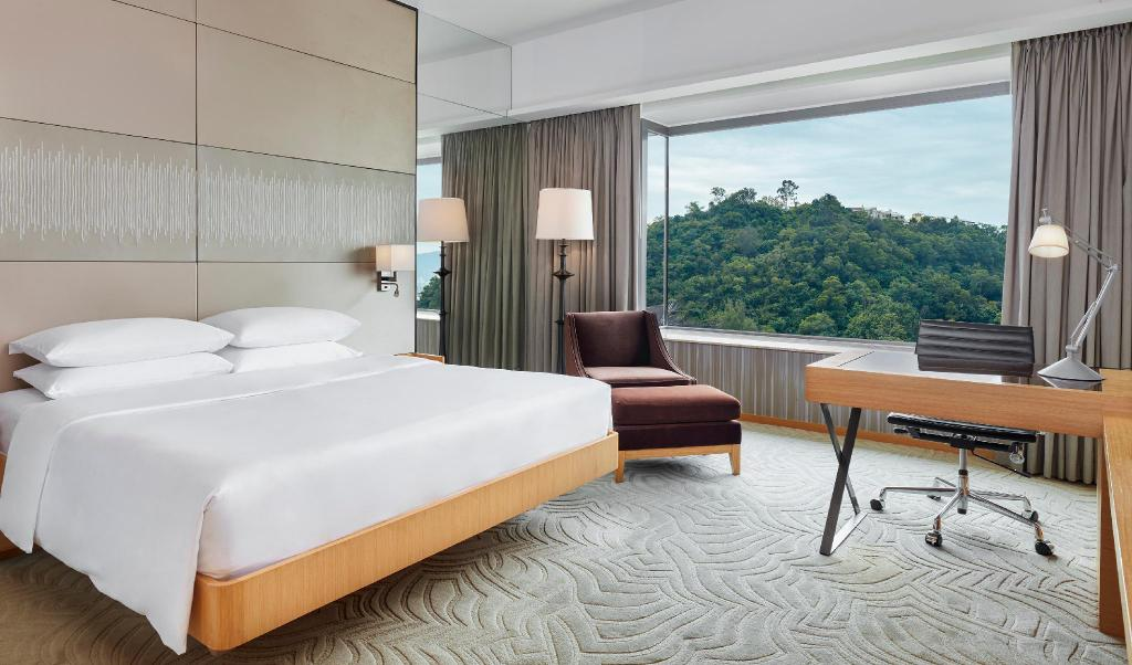 1 King Bed - Bed Hyatt Regency Sha Tin Hotel