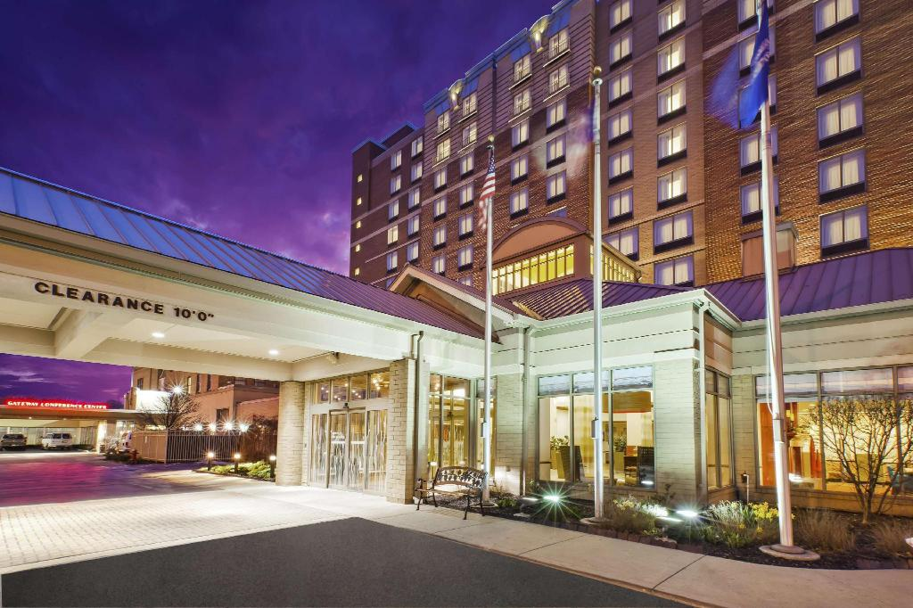 Best price on hilton garden inn cleveland downtown hotel in cleveland oh reviews for Hilton garden inn cleveland east