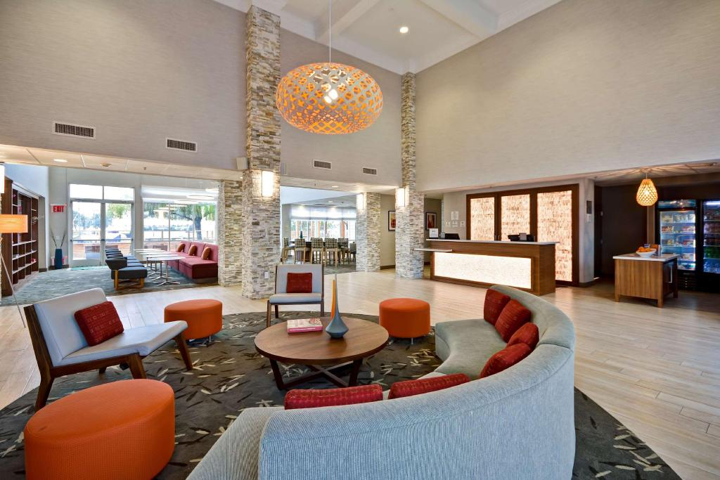 Homewood Suites At The Waterfront: Homewood Suites By Hilton Oakland Waterfront Hotel, San