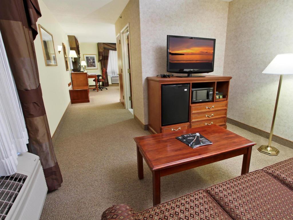 Hampton Inn & Suites Rockville Centre - NY Hotel in New York (NY ...