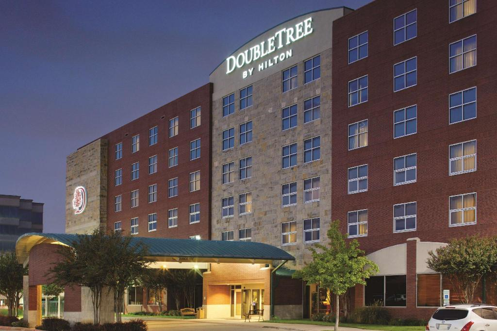 Doubletree Club Dallas-Farmers Branch Hotel