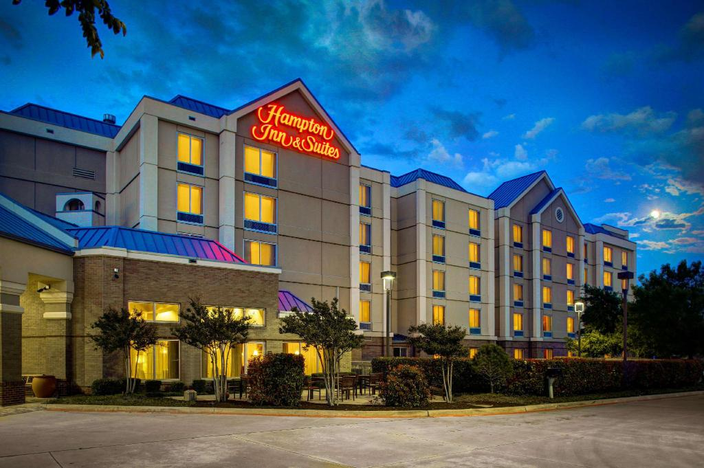 More about Hampton Inn & Suites North Fort Worth Alliance Airport