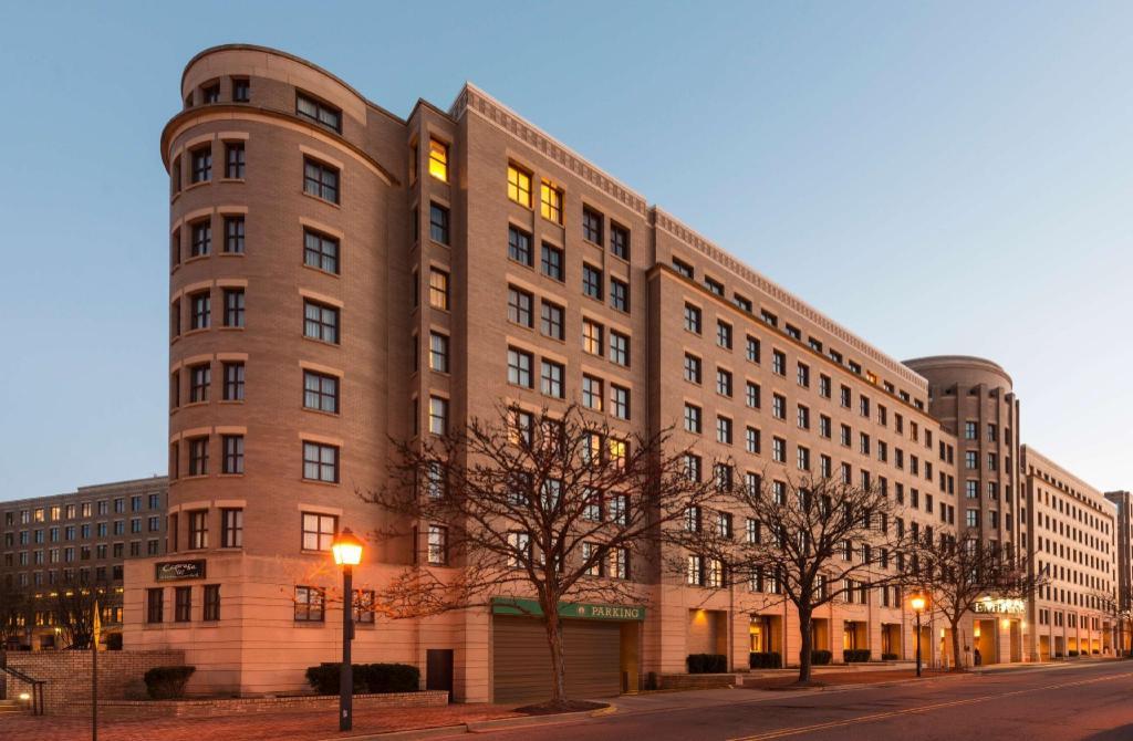 Embassy Suites Alexandria Old Town Hotel Alexandria Va 2020 Updated Deals 69 Hd Photos Reviews