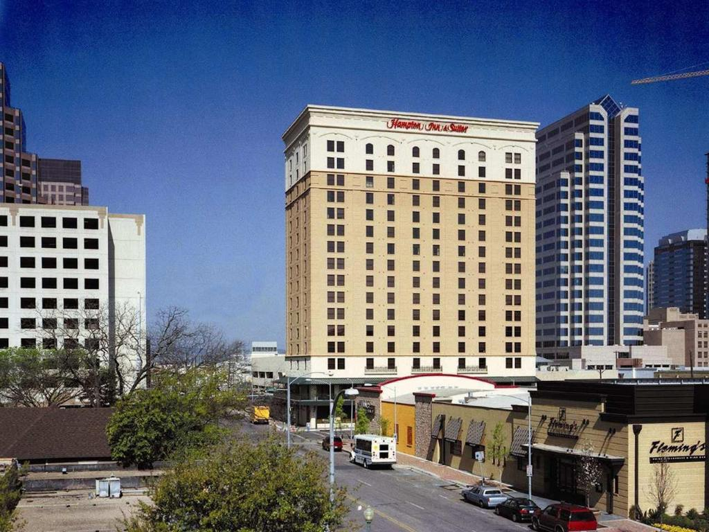 Hampton Inn & Suites Austin-Downtown Hotel