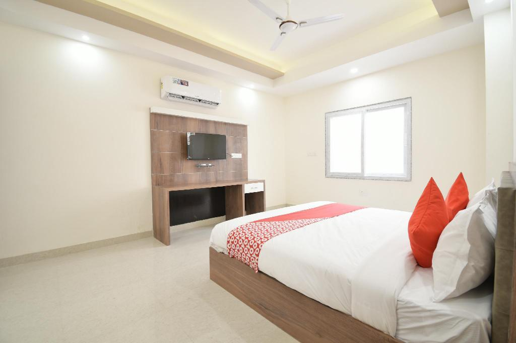 Classic Double or Twin - View OYO 41677 Hotel Pratap Palace