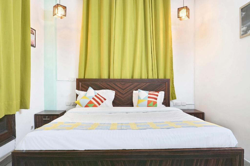 Double atau Twin Klasik - Katil OYO 30120 Pleasant Stay Near Lotus Temple