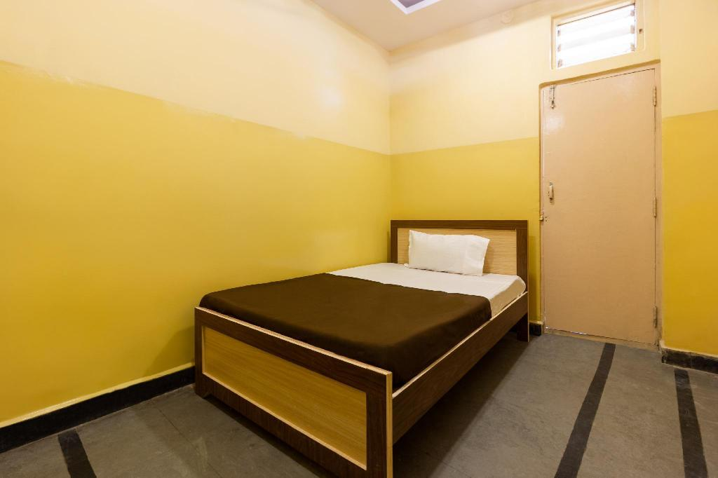 SPOT ON Room without Air Conditioning - View SPOT ON 40974 Tirumala Residency