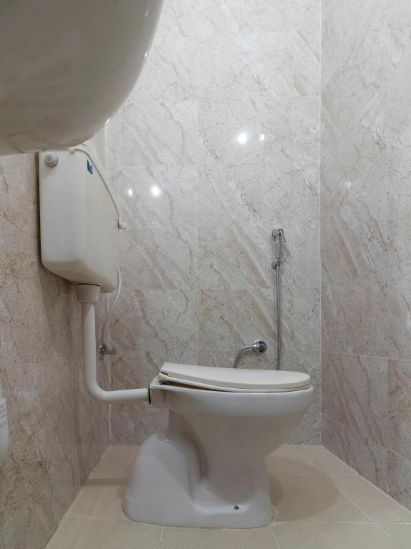 Classic Double or Twin - Bathroom OYO Flagship 39735 Kewal Palace Hyderabad Gate