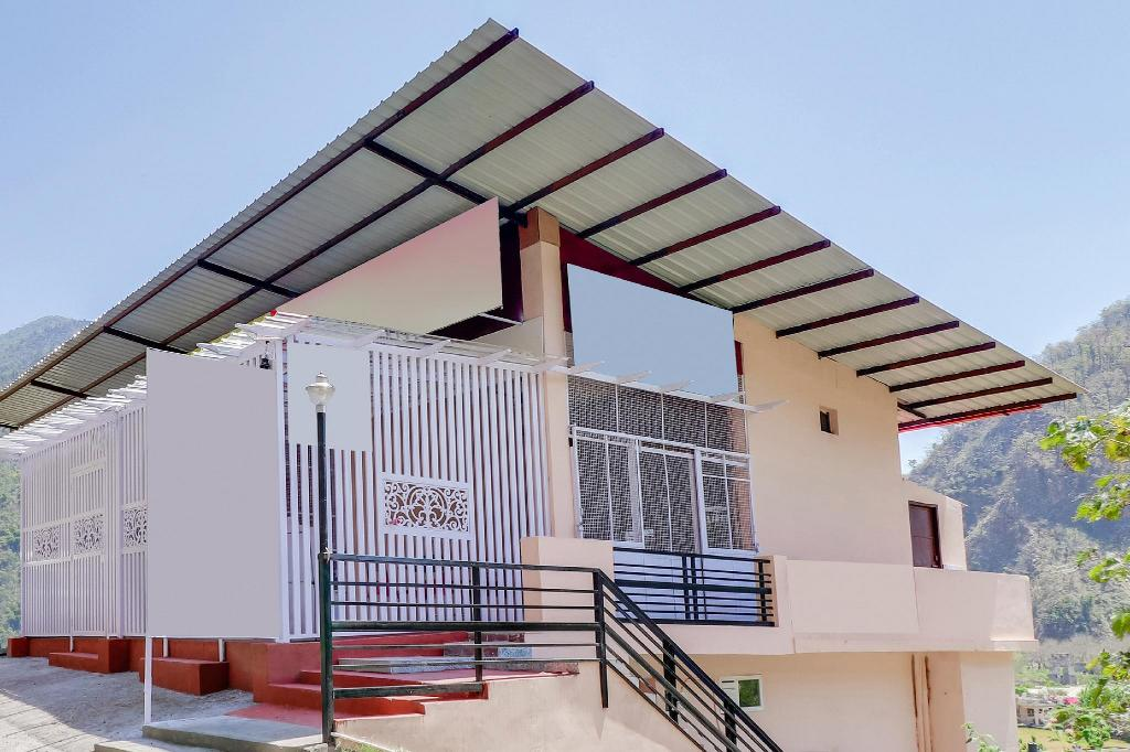 Exterior view OYO 36625 Luxurious Stay