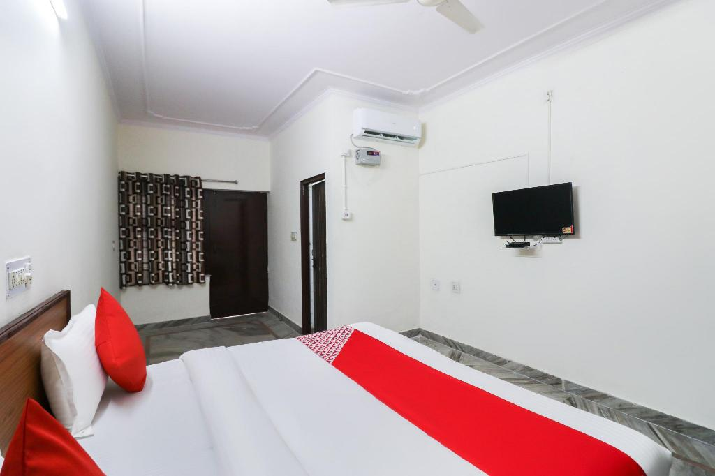 Classic Double or Twin - Room plan OYO 39797 Hotel Om