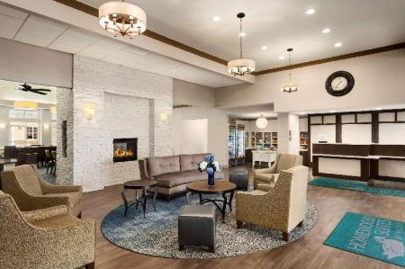 Лобби Homewood Suites by Hilton Fargo Hotel