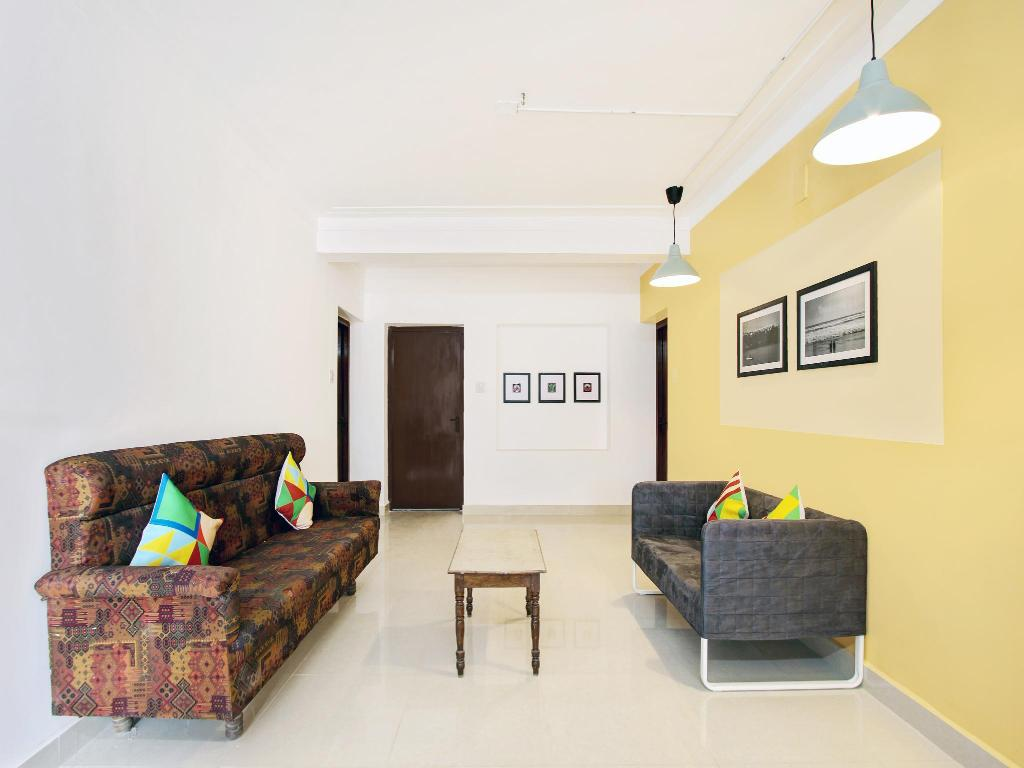 Lobby OYO 36864 Cozy Stay Ooty Lake