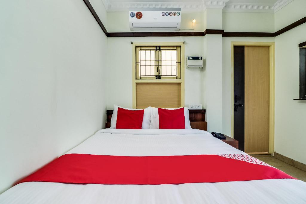 Double atau Twin Klasik - Katil OYO 39935 Elite Residency