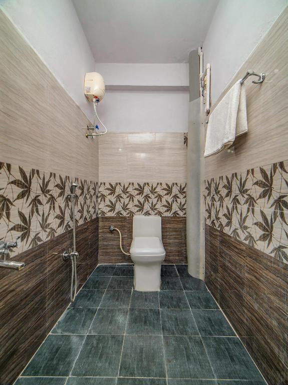 Classic Double or Twin - Bathroom OYO 40311 Hotel Ruhika
