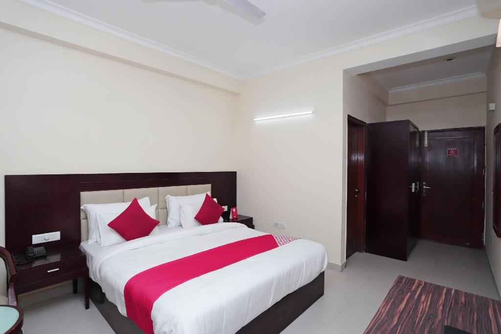More about OYO 40989 Hotel Amigo