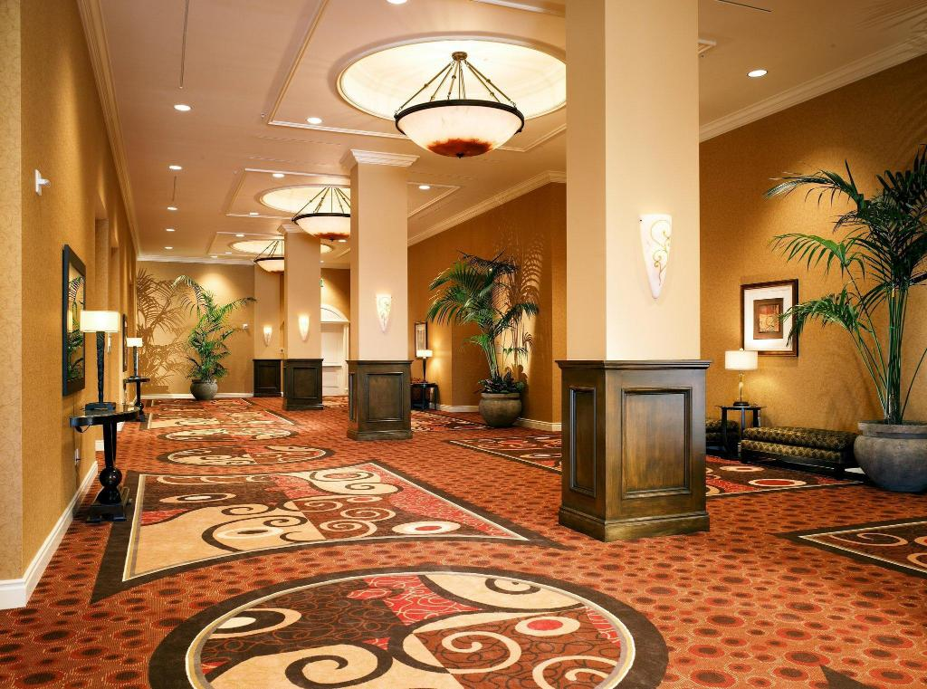 Pemandangan dalam Doubletree Guest Suites Anaheim Resort Convention Center