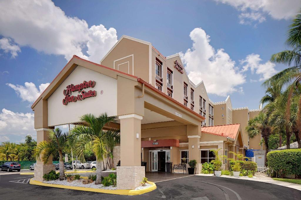 More about Hampton Inn & Suites Fort Lauderdale Airport