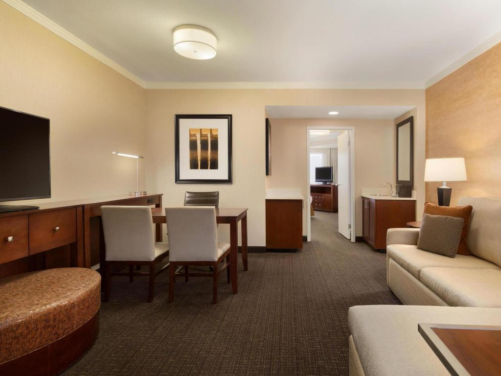 Embassy Suites Austin Downtown Town Lake Hotel in Austin (TX) - Room ...