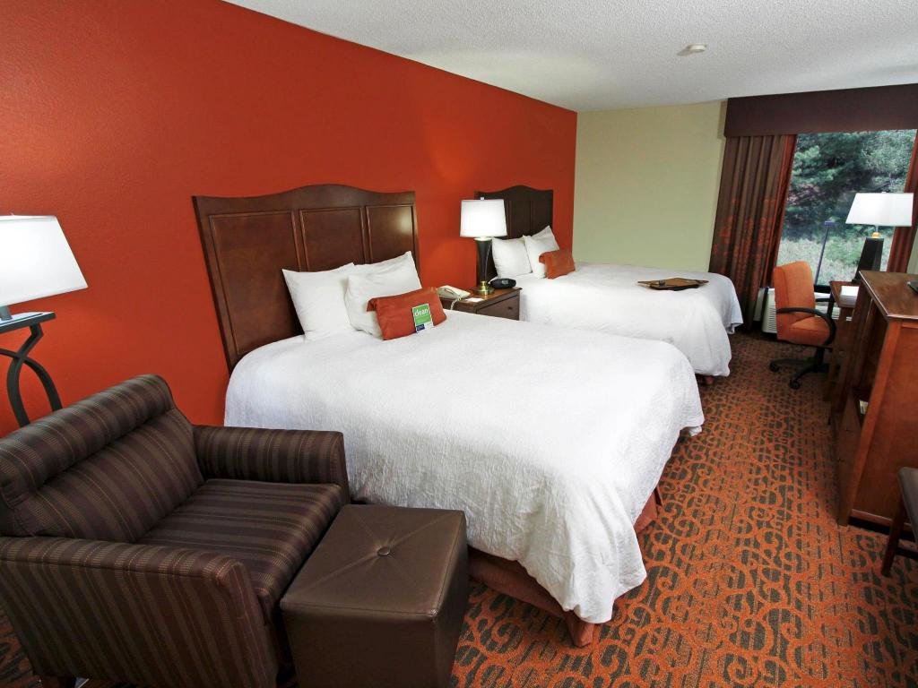 2 Queen Mobility Hearing Accessible with Roll In Shower Non-Smoking - Guestroom Hampton Inn Birmingham-Colonnade 280