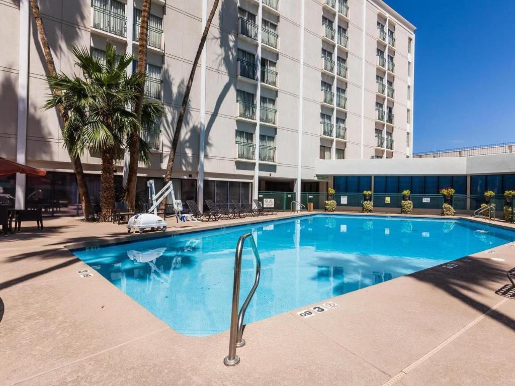 Hilton garden inn phoenix midtown hotel in phoenix az room deals photos reviews for Hilton garden inn phoenix midtown phoenix az
