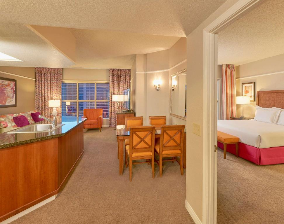2 Bedroom King Suite Hilton Grand Vacations at the Flamingo