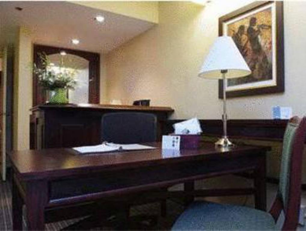 King Suite - Non-Smoking - Desk Embassy Suites Hotel Baton Rouge