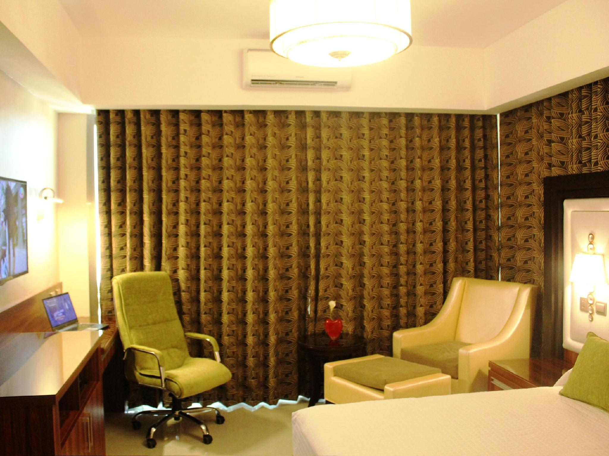 Crown Executive Room