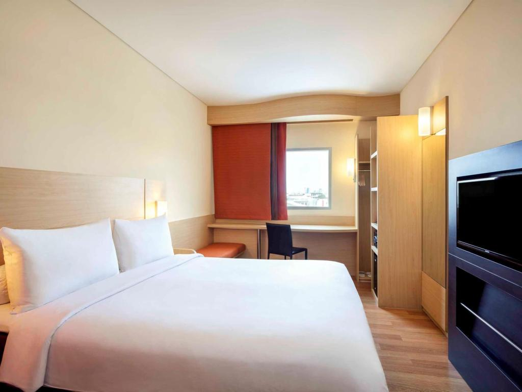 Standard Room with 1 double bed - Bed ibis Jakarta Harmoni