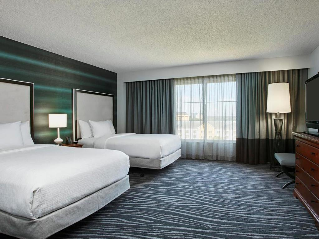2 Double Premium Suite Accessible Tub Non-Smoking - Bed Embassy Suites Hotel Orlando Airport
