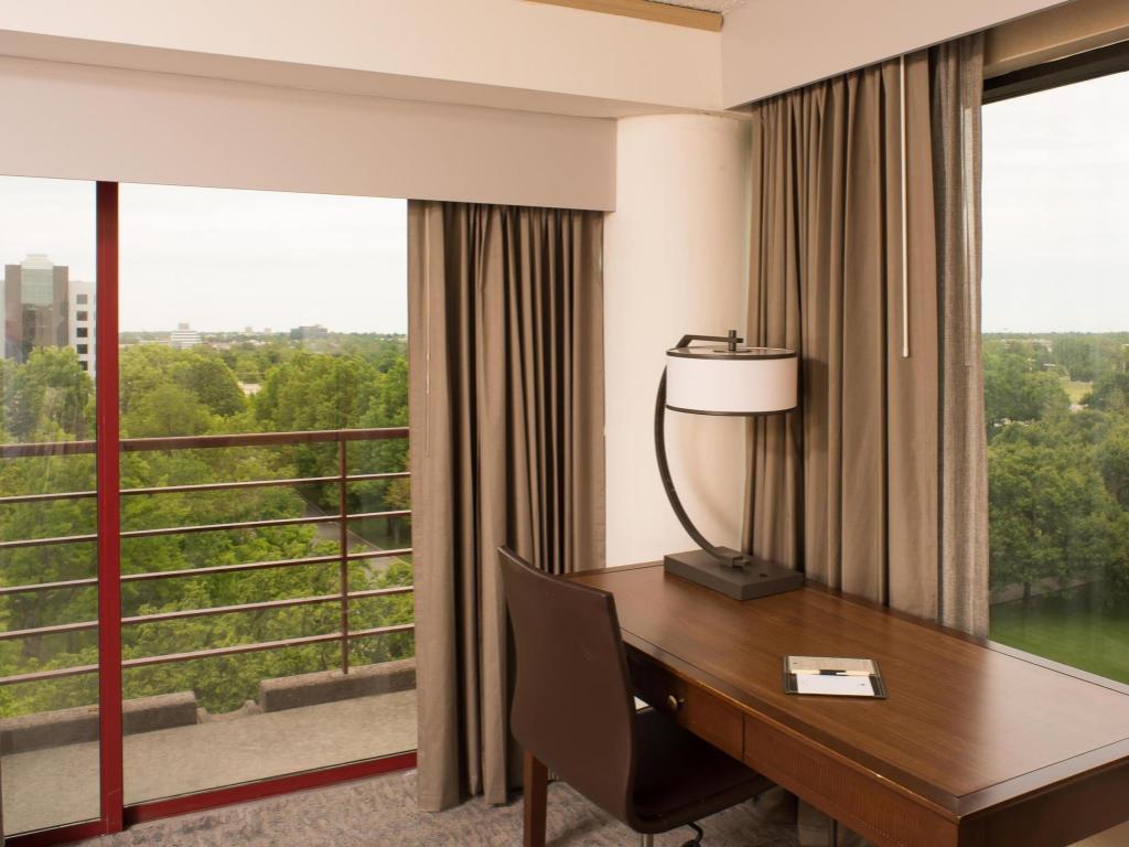 Best Price on Doubletree Hotel Tulsa at Warren Place in Tulsa (OK) + ...