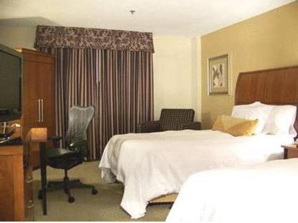 Hilton Garden Inn Las Colinas Hotel in Irving (TX) - Room Deals ...