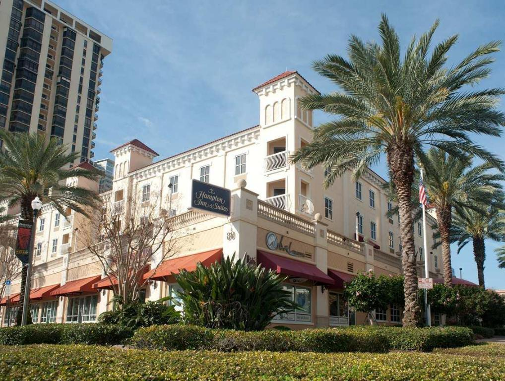 Hampton Inn & Suites St. Petersburg Downtown Hotel