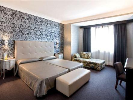 Guggenheim Double Room Package