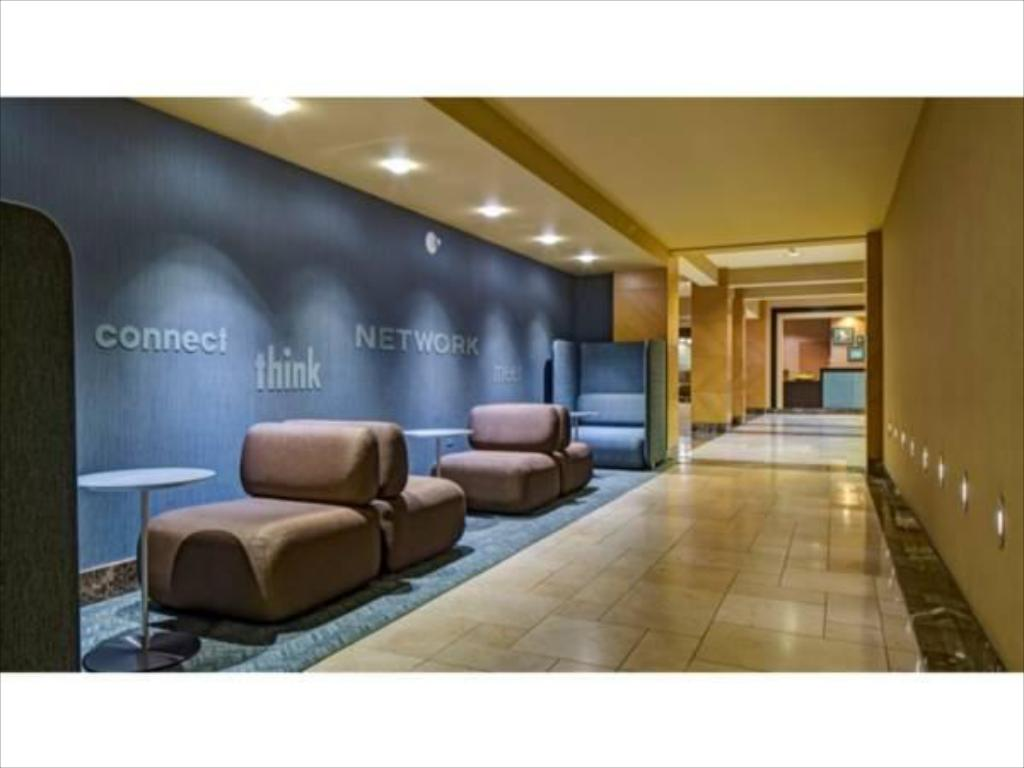 Lobi DoubleTree by Hilton Hotel Chicago - Arlington Heights