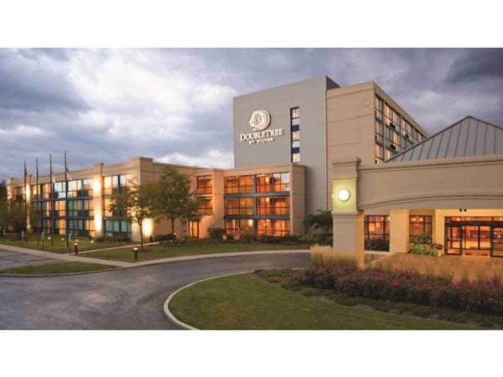 DoubleTree by Hilton Hotel Chicago - Arlington Heights
